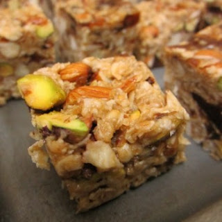 Healthy No-Bake Oatmeal, Dates And Assorted Nuts Energy Bars.