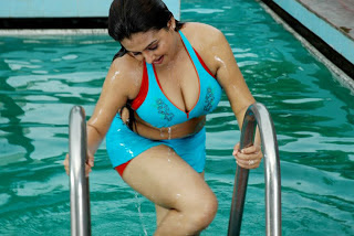 Sona in swimming pool photos, Sona Wet Photos
