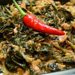 Laing Recipe (Taro Leaves with Coconut Milk).