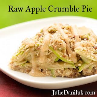 Raw Apple Crumble Pie