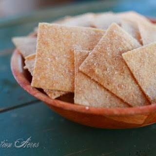 {Whole Grain Wheat Thin Crackers}