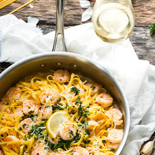 Easy Shrimp Scampi Linguine with White Wine {Video}