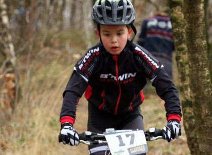Jasper is zot van mountainbike