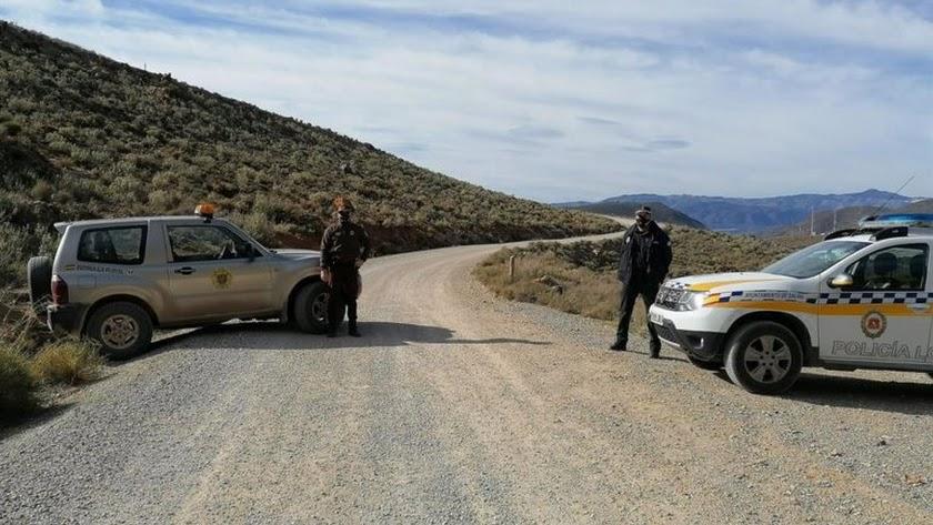 Controles de la Policía Local y de la Guarda Rural.