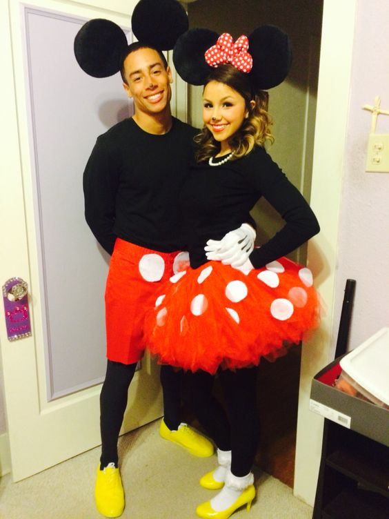 mickey mouse and Minnie mouse costume