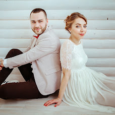 Wedding photographer Anna Mozhirova (CocaInne). Photo of 08.03.2016