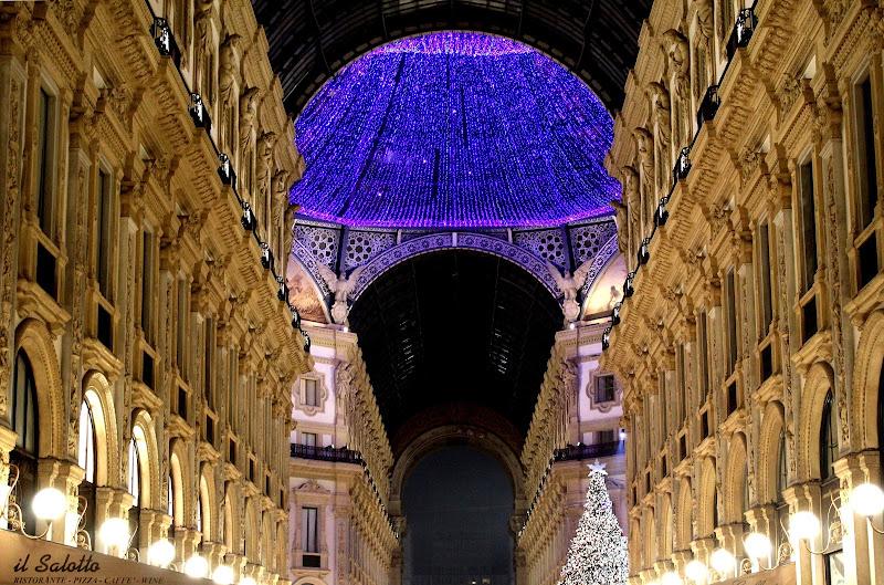 Corso Vittorio Emanuele - Milano 23/12 di Andrea15