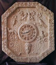 Photo: Un gran reloj ornamental.  113 x 100 cm. Talla en madera. Woodcarving.  Para leer algo más en relación con esta obra ir al blog: https://tallaenmadera-woodcarving-esculturas.blogspot.com.es/2017/12/un-enorme-reloj-octogonal.html