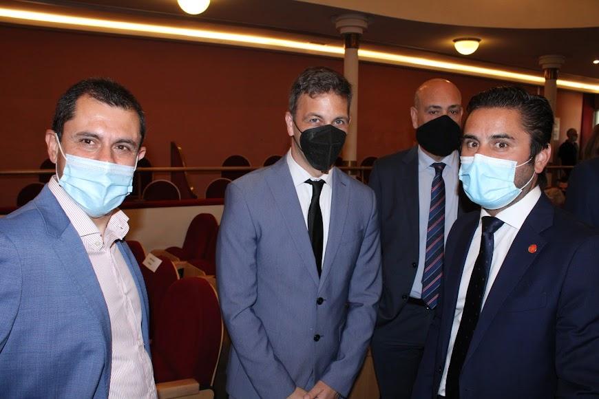 Expresidentes de AJE Almería junto al secretario General de AJE Andalucía.