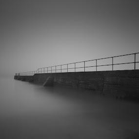 by John Holmes - Black & White Landscapes ( water, sea mist, fog )