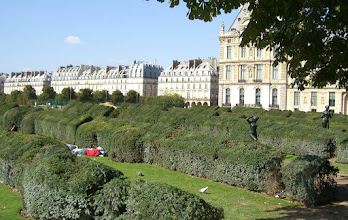 Photo: Shrubery outside the Louvre.  The long row of buildings in the background...are all the Louvre