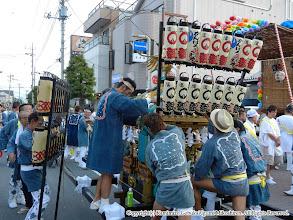 Photo: 【平成23年(2011) 本宮】  四面に提灯を取り付ける。