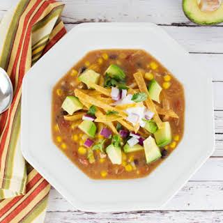 Chicken Tortilla Soup (Sopa de Tortilla con Pollo).