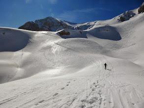 Photo: Vecchie tracce su neve argentea