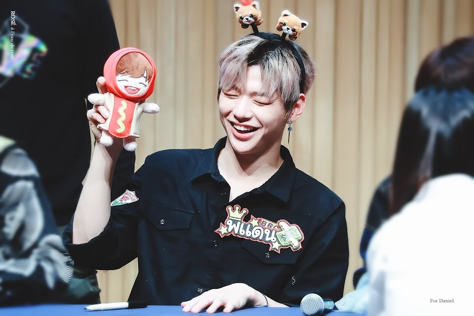 wanna one fansign3
