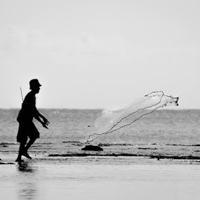 Fisherman I by Harri Pratama - People Street & Candids