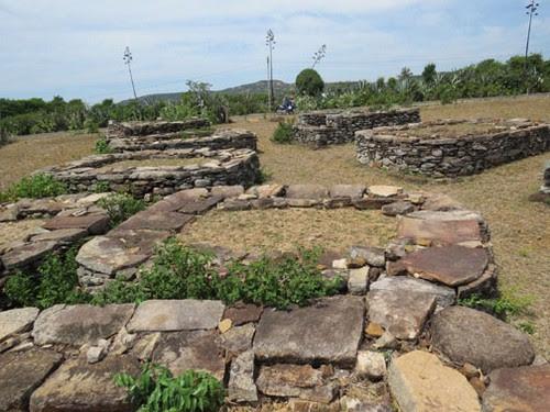 Xóm Ghềnh Đá Đĩa và những công trình bằng đá - 2