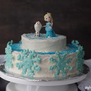"Gluten-Free Vanilla ""Frozen"" Cake."