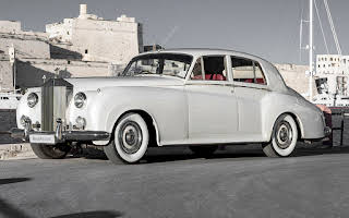 Rolls-Royce Silver Cloud - White Rent Central Region