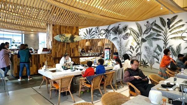 姐妹淘必朝聖的台南東區網美火鍋店,花花世界火鍋。