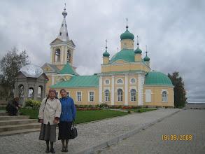 Photo: Обязательная  остановка по пути в Свирь -  Введено-Оятский монастырь