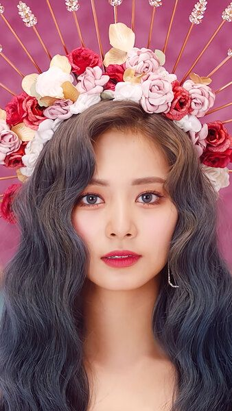 tzuyu crown 1