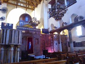 Photo: ...se llega a la iglesia de san sergio