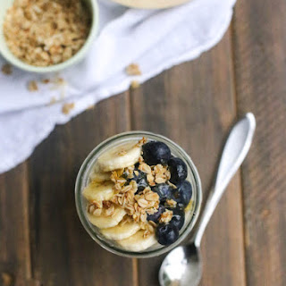 Peanut Butter and Honey Overnight Oats with Bananas and Berries