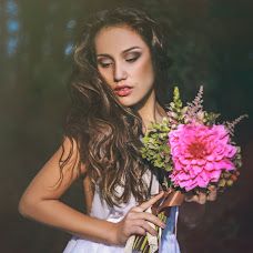 Wedding photographer Liliya Frolova-Nasibullina (lina-foto). Photo of 07.05.2014