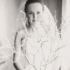 Wedding photographer Yulka Iyunskaya (July-june). Photo of 06.03.2014