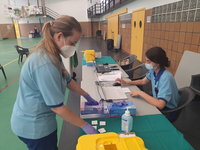 Las sanitarias, durante una jornada de vacunación en El Ejido.