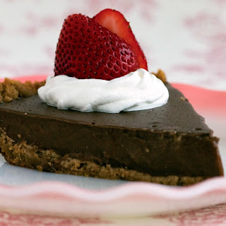 Old-Fashioned Chocolate Pudding Pie