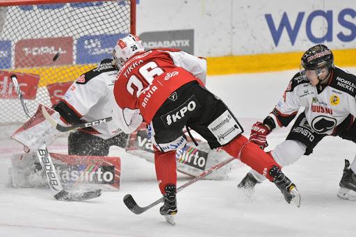 Tommi Tikkas två mål var kvällens enda mål. (Foto: Samppa Toivonen)