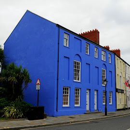 Somerset Place by DJ Cockburn - Buildings & Architecture Homes ( britain, somerset place, wales, schooner inn, house, building, home, glamorganshire, blue, road, glamorgan, street, uk, catering, hospitality, armed forces day, swansea, pub, architecture )