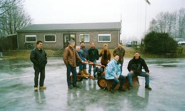 Photo: IJscub Servatius > het  volledige bestuur  2003