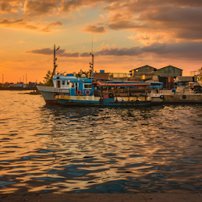 Not A Sunset by Griff Johnson - Transportation Boats ( recategorization, transport, boats, sea, tedious, transportation, boat )