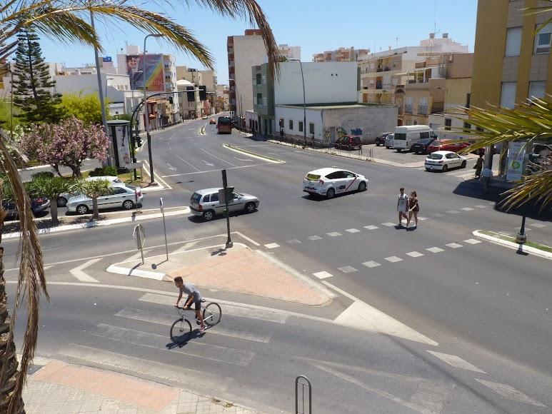 Cruce existente en la entrada de Barrio Alto antes de la actuación con fondos DUSI