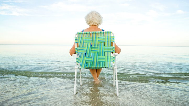 Loneliness May Fuel Mental Decline in Old Age