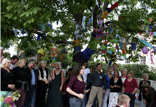 Photo: The Big Sing Workshop with Jo Sercombe © The Priston Festival 2009, photo: Sue Hunter-Jones