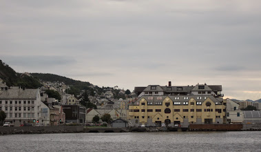 Photo: Approaching Alesund