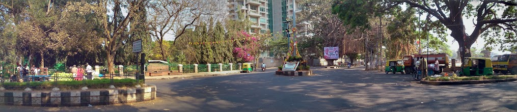 Photo: A panoramic image of a lane near the Richmond Circle, Bangalore. Calm and greenery. There was a small stadium too. This picture was automatically created by Google. Tomorrow, I will introduce you a pleasant night ride of a taxi from Bangalore Airport to the city. 7th March updated -http://jp.asksiddhi.in/daily_detail.php?id=475