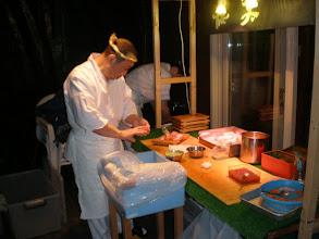Photo: 小樽の板前さんが、お部屋のテラスでお寿司を握ってくれます。