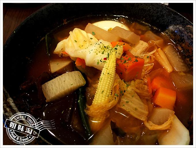 原粹蔬食韓式泡菜鍋燒意麵