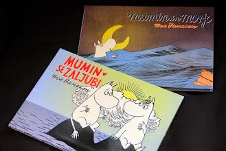 Photo: Mlade bralce razveselita prva v seriji barvnih stripov o muminih: Mumin in morje in Mumin se zaljubi.