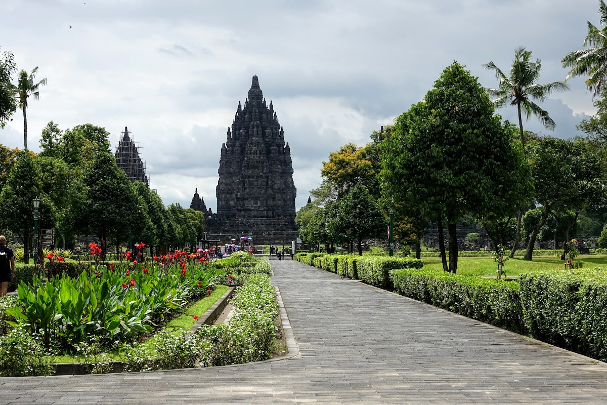 Indonesia. Yogyarkarta Pramantan Temple. Garden entrance