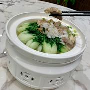 85. Rice Noodle with Beef Brisket in Soup (Regular) 清湯牛腩河(例