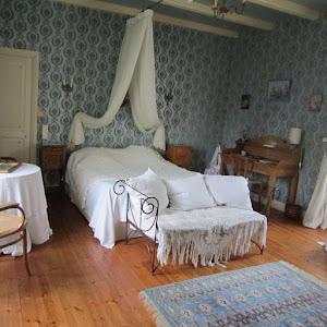 la-chambre-dhotes-de-charme-4-epis-du-clos-de-la-garenne-17700-la-chambre-damis-pour-une-ou-deux-personnes-avec-lit-160