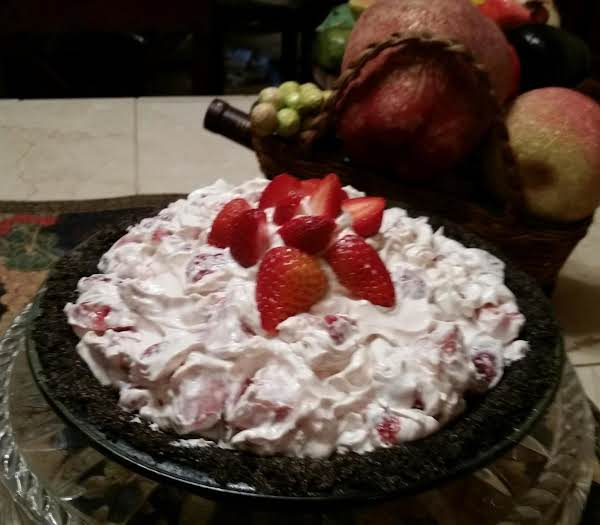 Fresh Strawberry Pie With Oreo Cookie Crust.