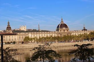 Photo: Plan large de cette même vue sur l'Hôtel Dieu et le Musée des Hospices de Lyon.
