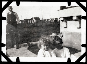 Photo: Tom Brandvold Album TBB105 / Winston and Evelyn Hansen - probably Alfred Hansen looking on